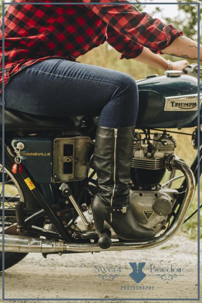 fotoreportage met motor op landweg