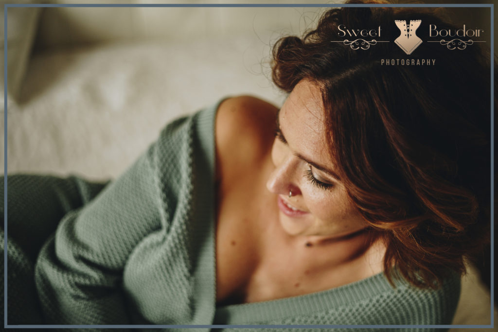 Cosy Monday Morning boudoir photosession