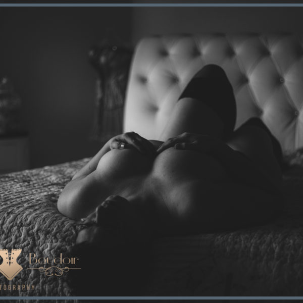 boudoir foto in zwart wit